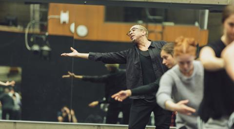 Renowned choreographer Dwight Rhoden leads a masterclass at the UO Dance Dept. (photo credit: City of Eugene Cultural Services/Ben Schorzman)