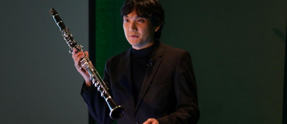 """Assistant professor Wonkak Kim gives a masterclass on the Basset clarinet at the """"Wings"""" UO Presidential Speaker Series."""